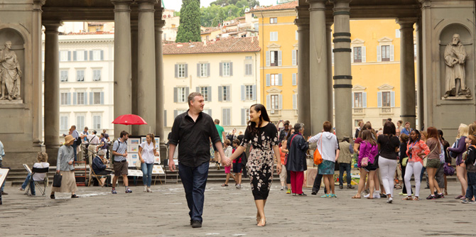 Honeymoon Photo Shoot in Florence Italy near Uffizi