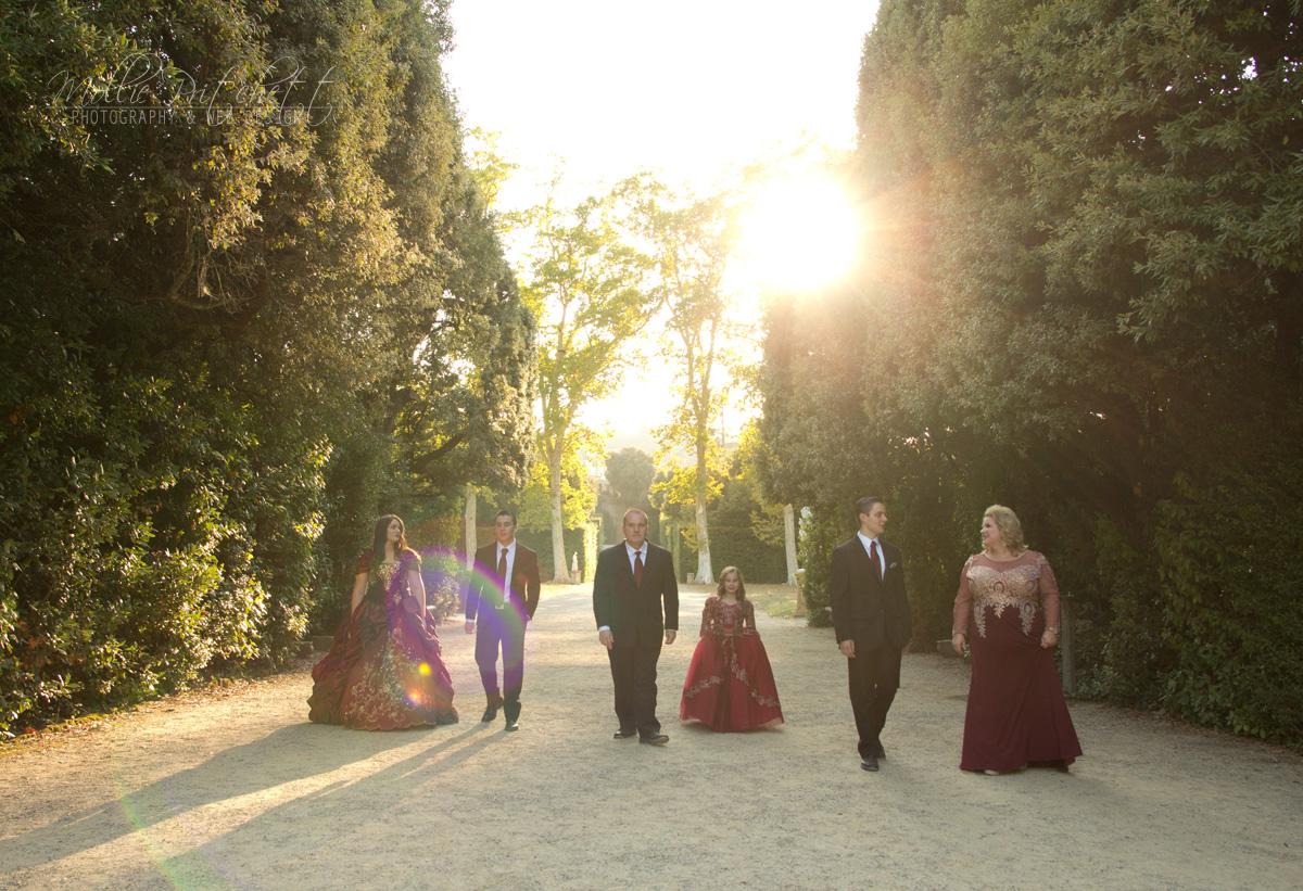 Beautiful Family Photoshoot in Boboli Gardens